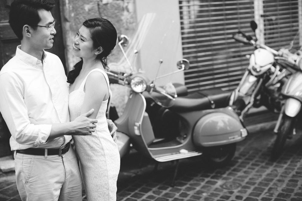vespa photo destination engagement couple portrait photographer