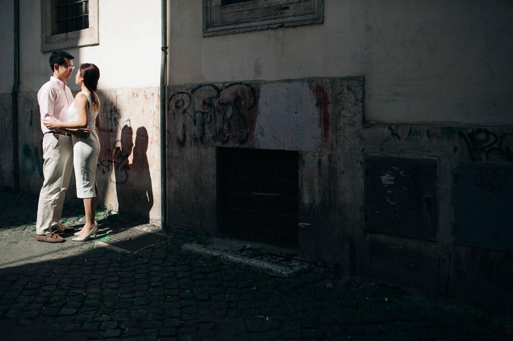 shadow love couple engagement destination photo photographer lov