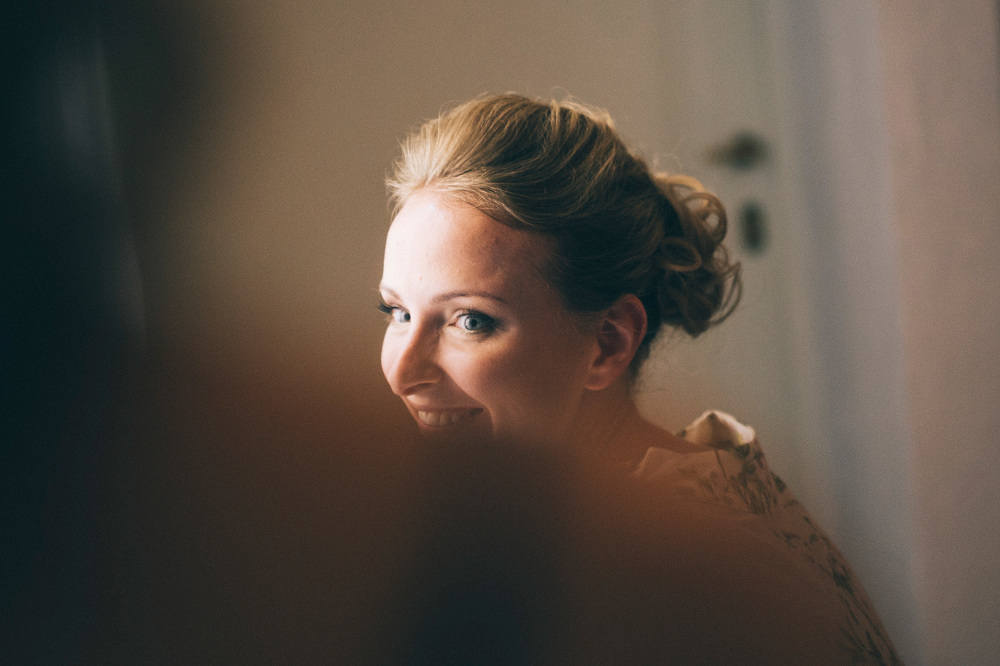 bride getting ready villa villa corliano destination wedding tuscany italy hair