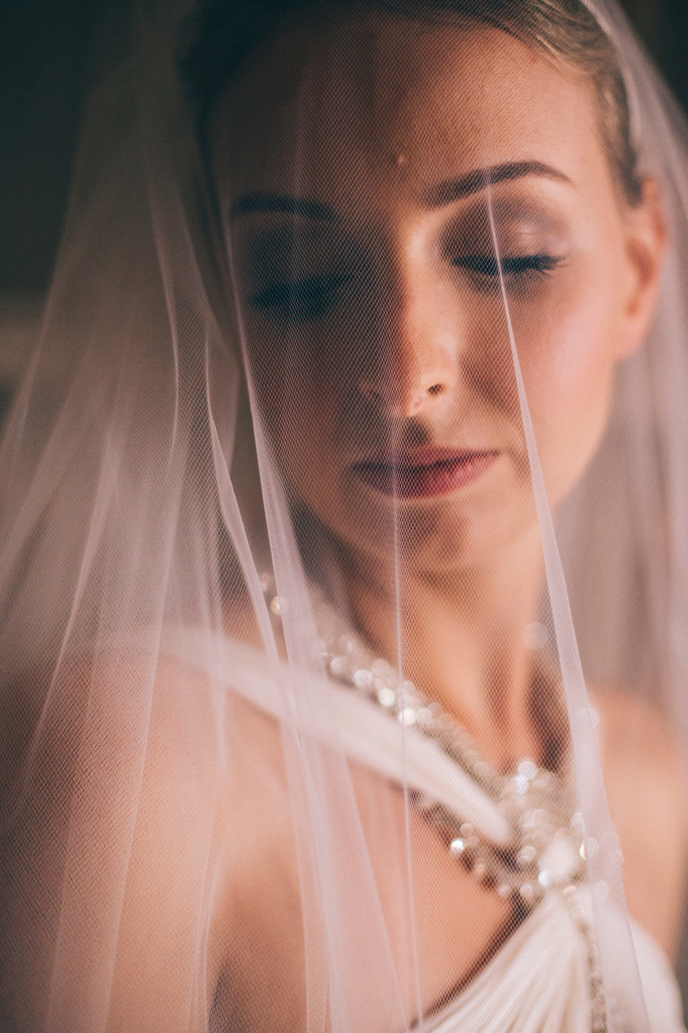 bride portrait veil jenny packham dress wedding destination tusc