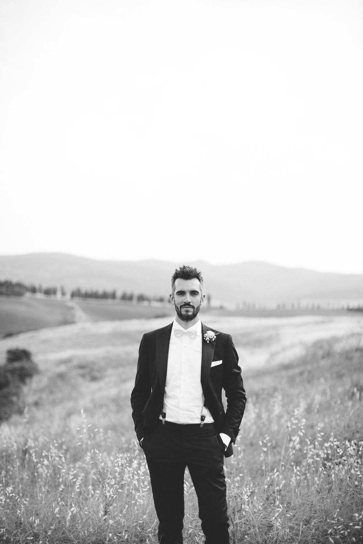 black white vsco photography wedding tuscany countryside love do