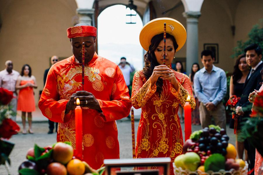 Vietnamise Tea ceremony wedding in tuscany destination