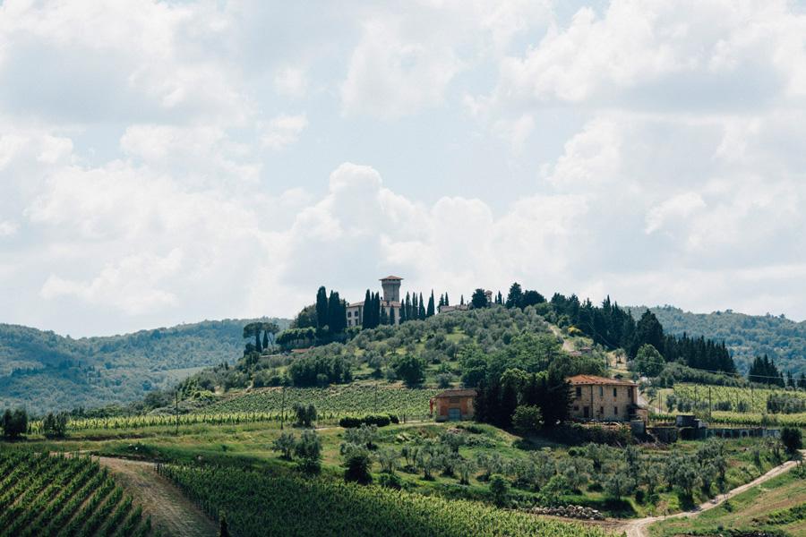 castle vicchiomaggio wedding tuscany