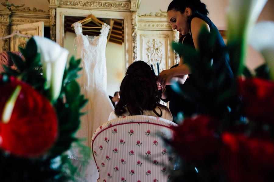 getting ready bride destination photo reflection