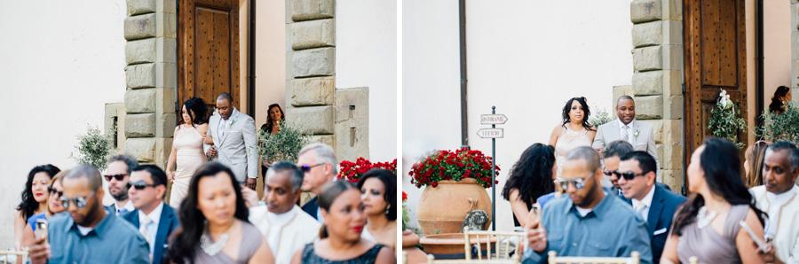 ceremony vicchiomaggio tuscany wedding destination grrom bride