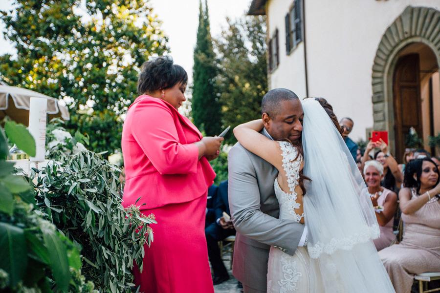 ceremony vicchiomaggio tuscany wedding destination grrom bride p