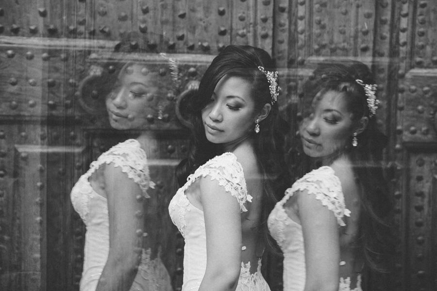bride portrait face rings ear profile photo wedding tuscany bw f