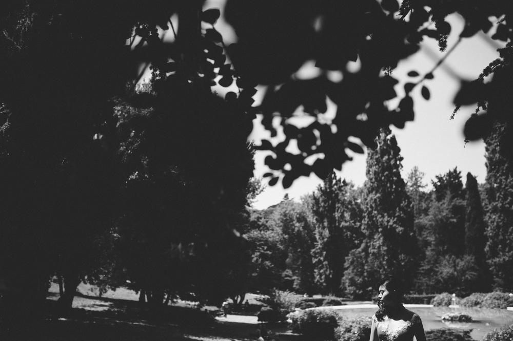 bw black white engagement photo destination park couple love por