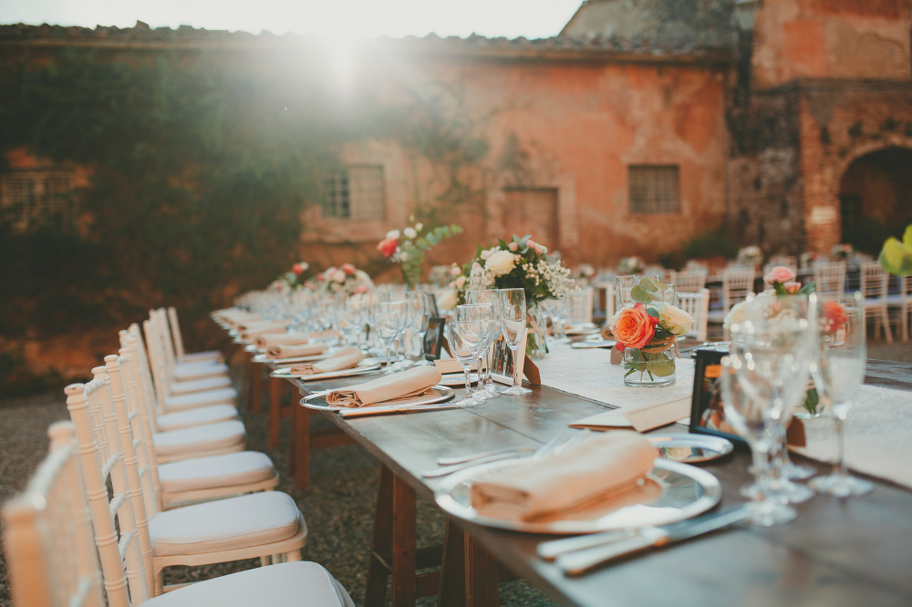 table dinner destination wedding photographer tuscany uk hawaii