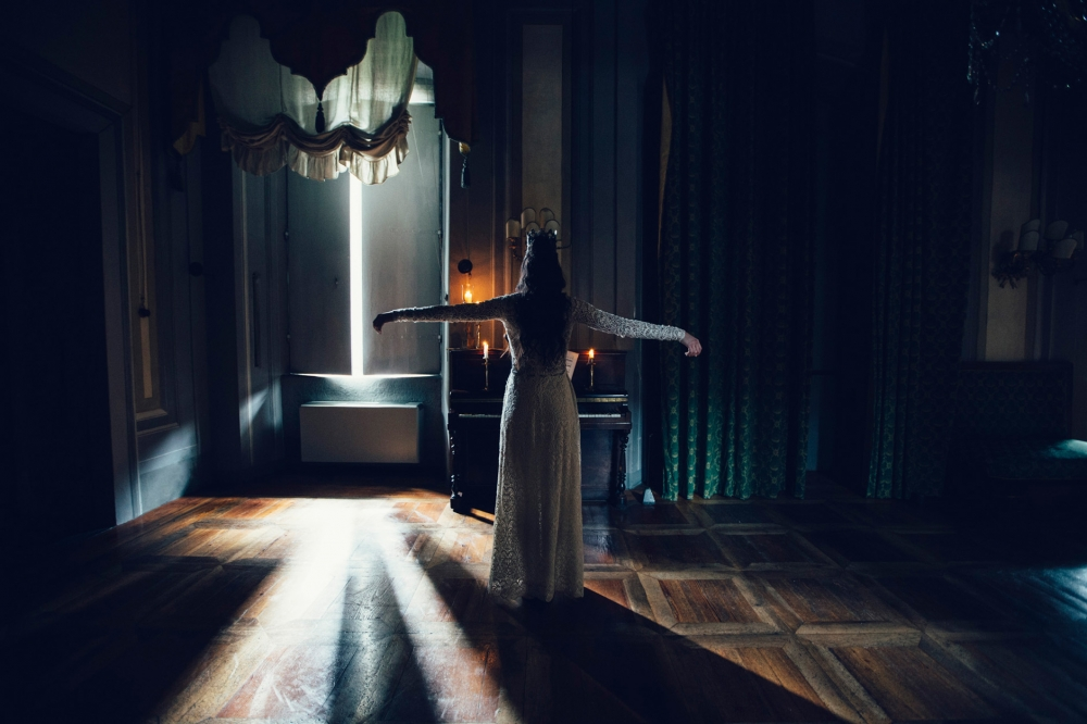 dracula dark inspirational editorial wedding photo photography a