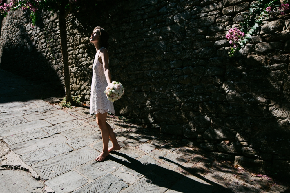 bride creative portrait wedding day destination wedding italy tu