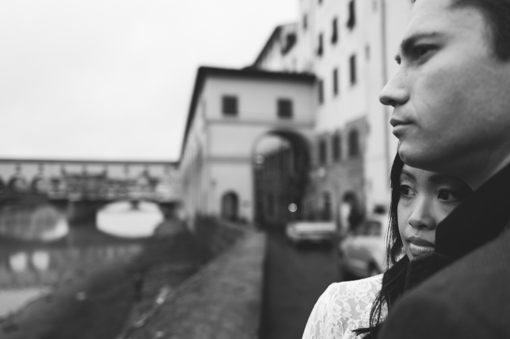 winter photography couple engaged firenze tuscany italy love