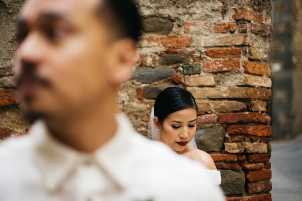 bride groom portrait creative photo photographer wedding cortona