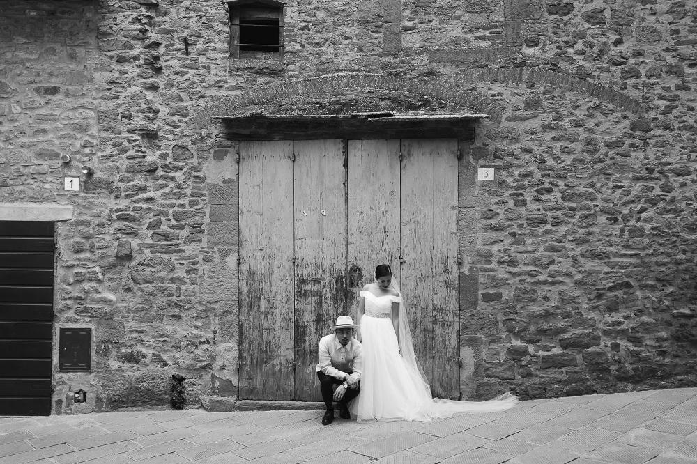 bride groom portrait leica q photo photographer wedding cortona