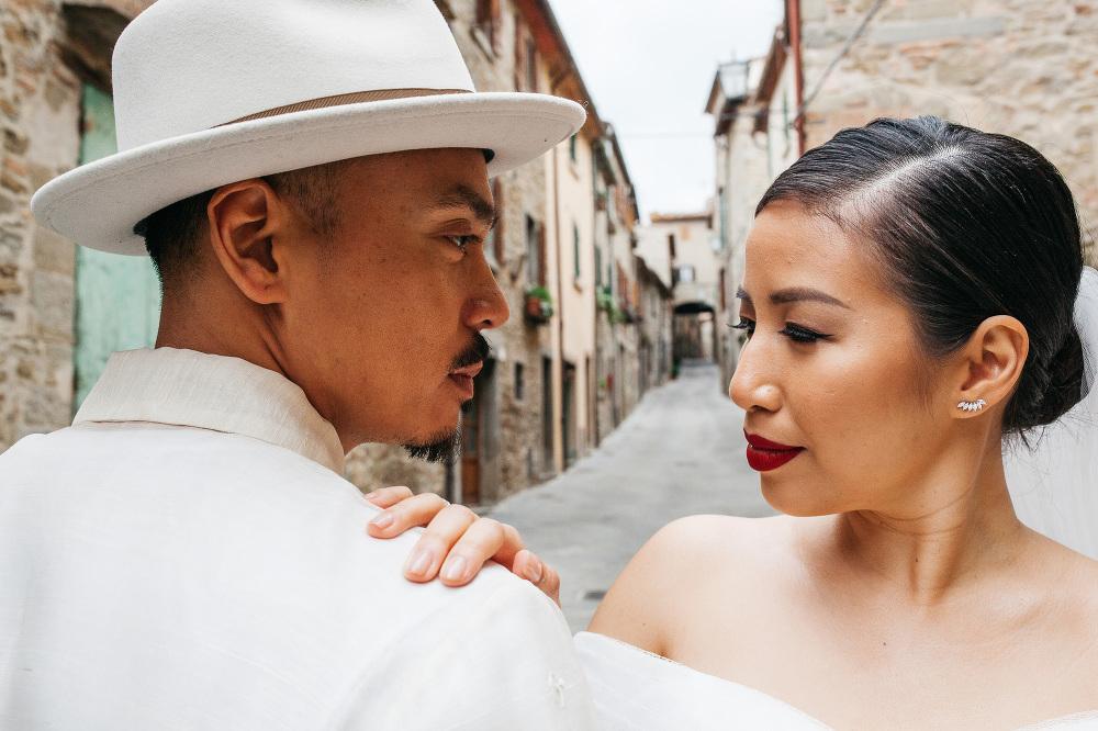 wedding photographer umbria bride groom portrait leica q photo photographer wedding cortona