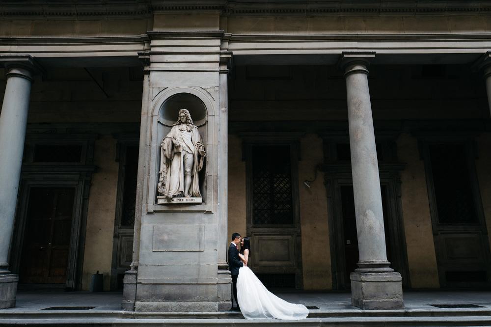 photographer florence photo couple shoot tuscany uffizi museum l