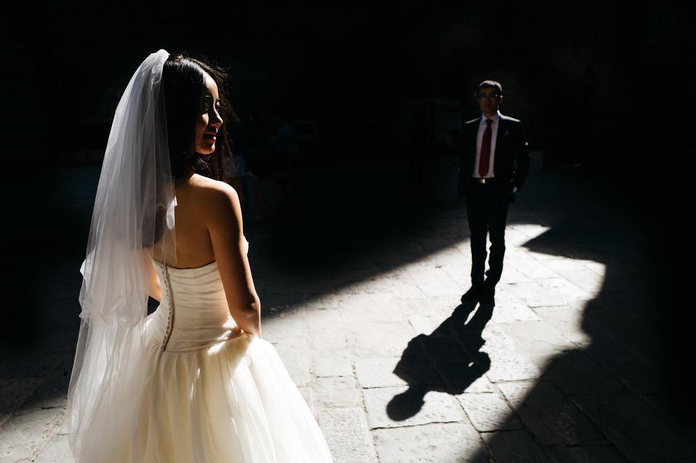 bride groom florence photo portrait light shadow photographer tu