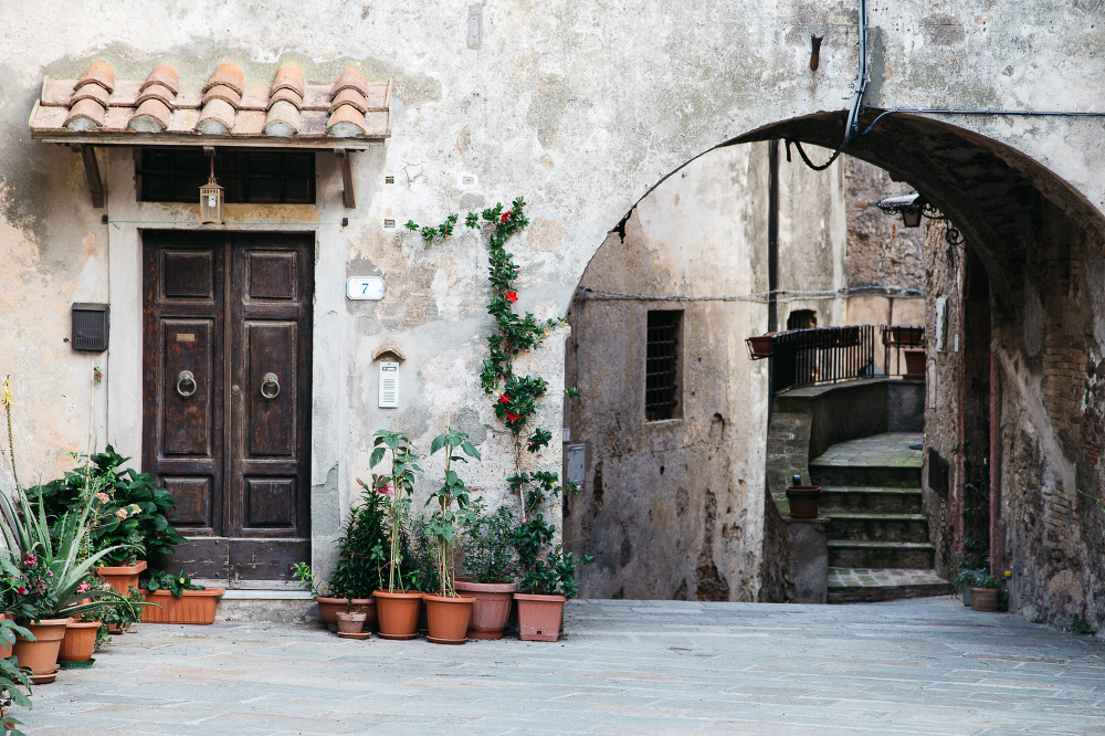 capalbio destination wedding tuscany photo photographer church t