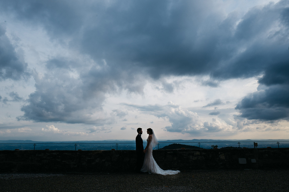 wedding photographer fiesole tuscany photo couple shoot villa mo