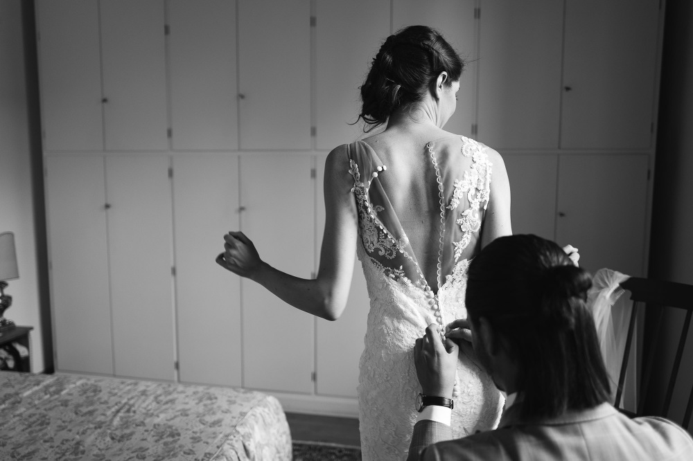wedding photographer fiesole tuscany photo bride getting ready d