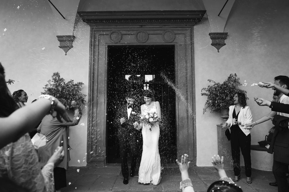 wedding photographer fiesole tuscany photo rice church exit brid