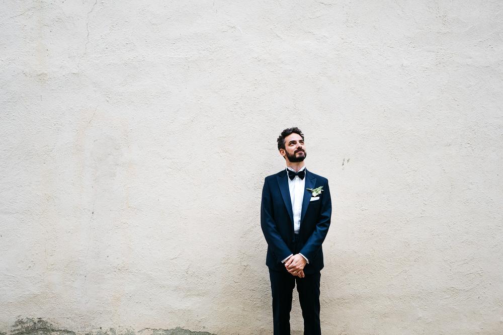 wedding photographer fiesole tuscany photo groom portrait bw sui