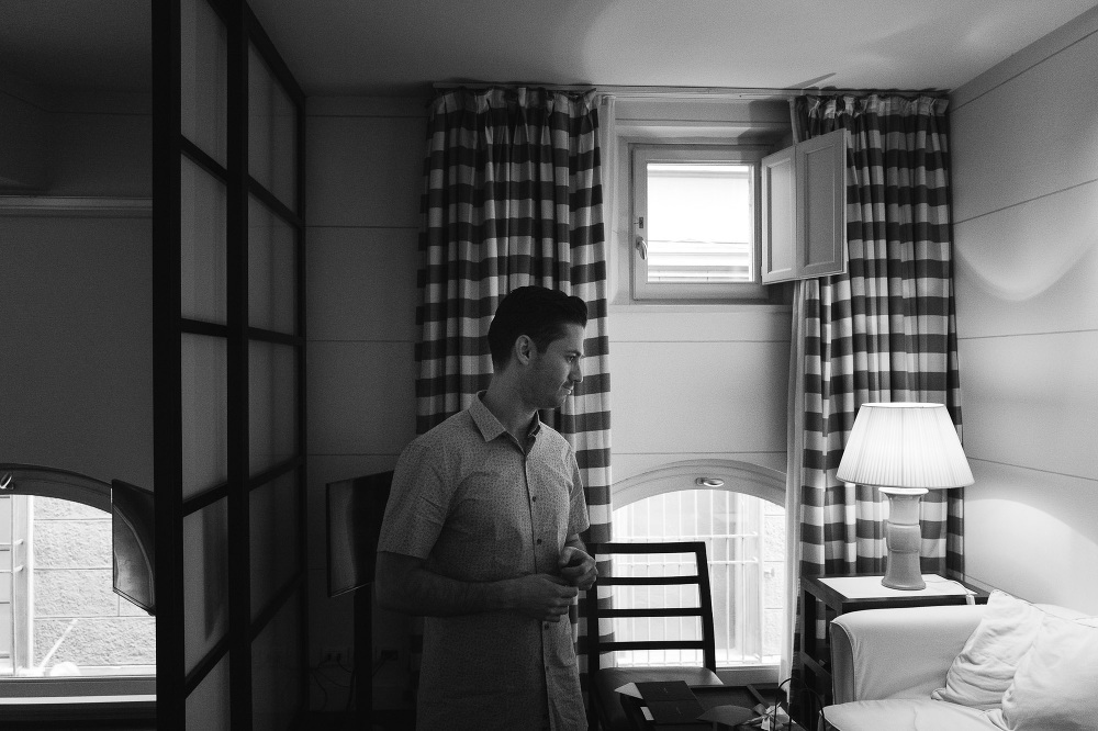 leicaq leica q tuscany wedding photo destination groom bw photog