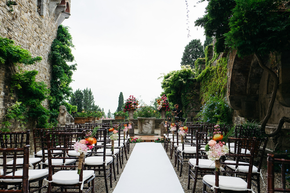 leicaq leica q tuscany wedding photo destination ceremony settin